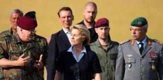 Exministra de Defensa de Alemania es interrogada por caso de corrupción